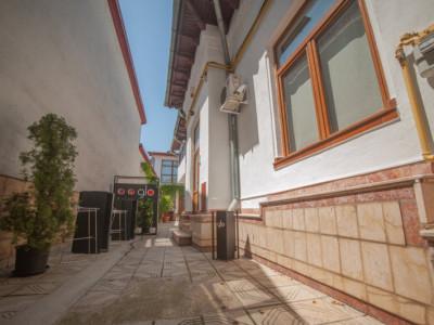 De inchiriat - birouri, 6 camere, 220mp utili, 80mp curte libera - Eminescu