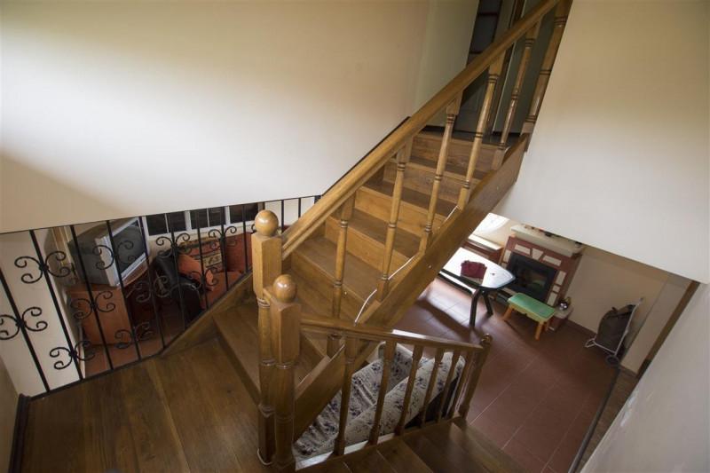 Dambovita casa cu livada si gradina Nucet