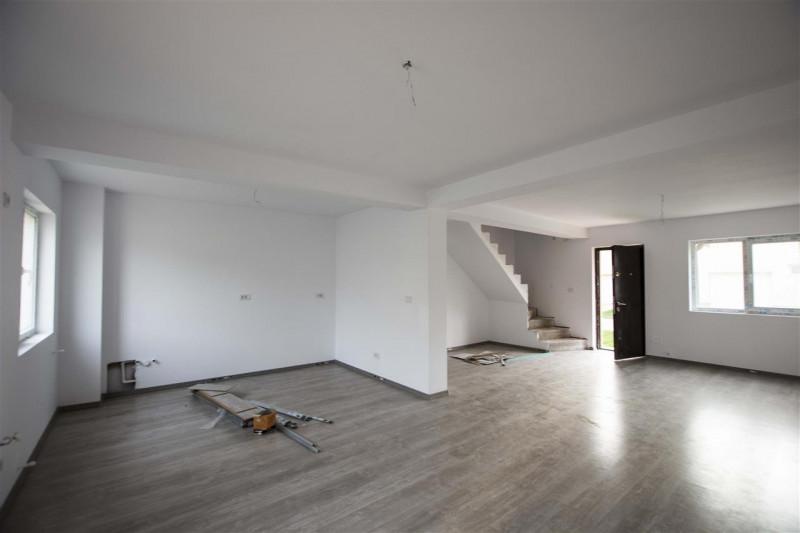 Vanzare vila Corbeanca garaj complex individuala.Comision 0%