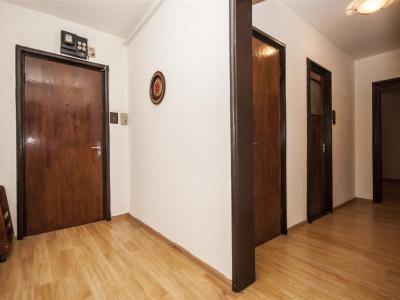Vanzare apartament cu 2 camere in cartierul Titan