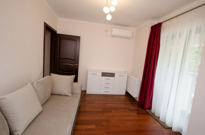 3 rooms apartment For rent a louer in affitto en alquiler