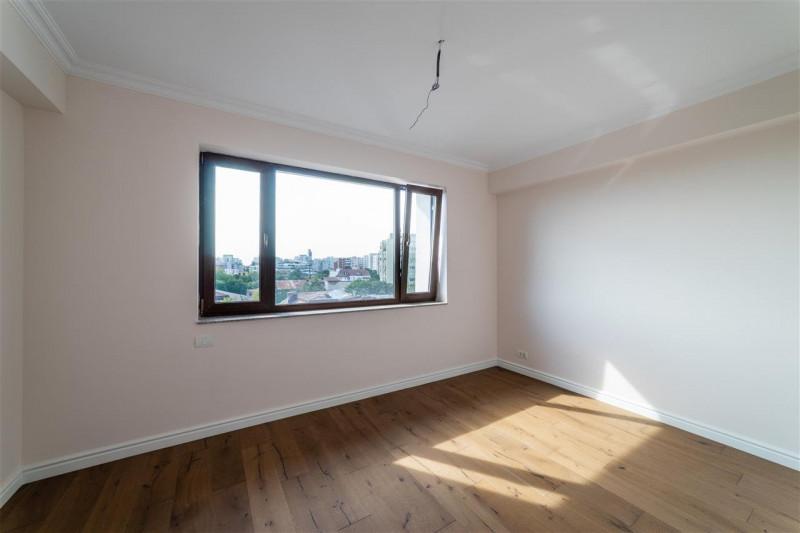 Vanzare penthouse cu vedere spectaculoasa