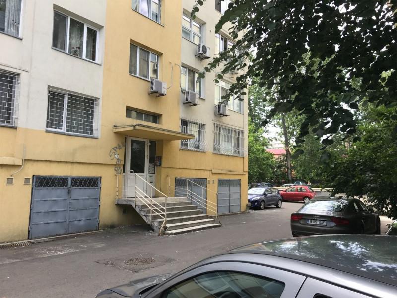 Inchiriere apartament 4 camere in zona Domenii