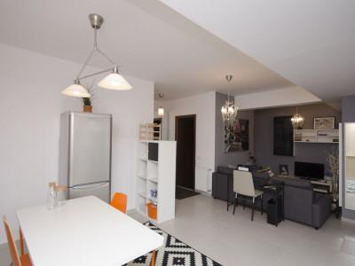 Casin inchiriere apartament cu 2 camere