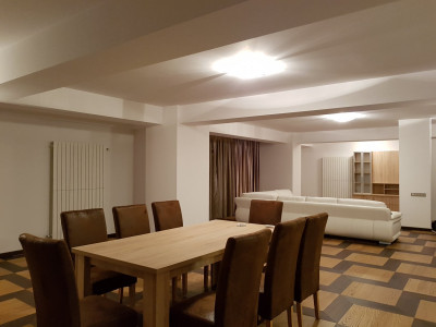 Apartament de inchiriat Kiseleff cu terasa de 50mp
