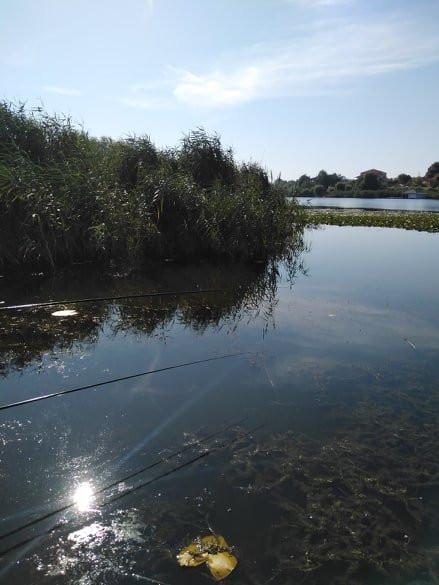 Lac Izvorani, teren cu doua corpuri de casa
