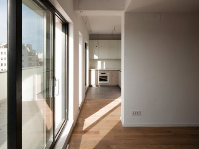 Apartament in imobil finalizat; Terasa 141 mp si bucatarie mobilata