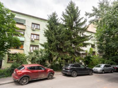 Investitie! apartament 3 camere, loc de parcare, curte, Unirii