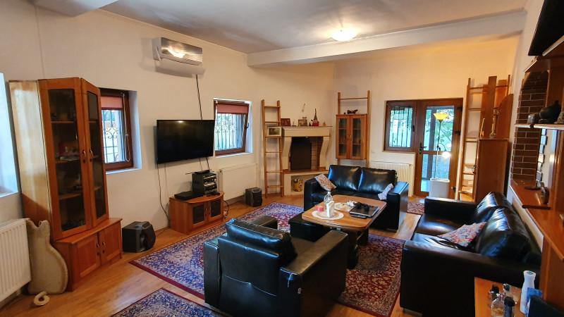 Vila moderna, confortabila situata in zona linistita