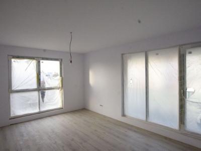 Sisesti apartament 3 camere bloc finalizat