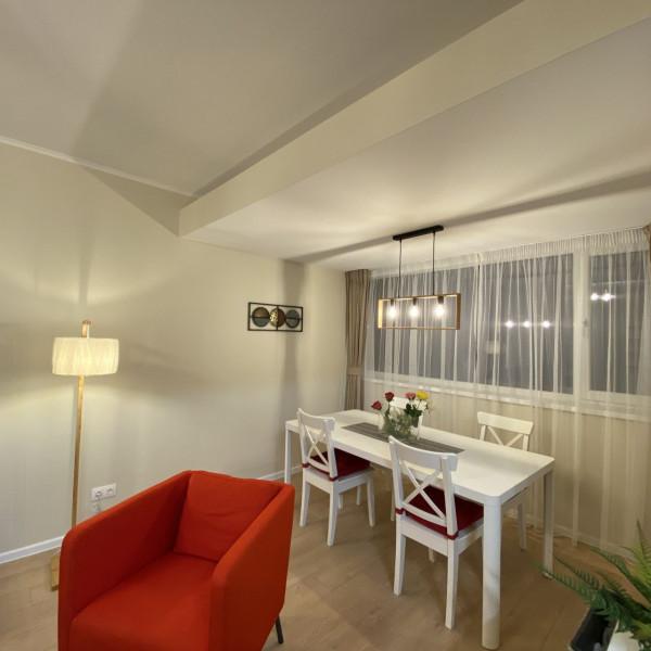 Apartament 3 camere Bucurestii Noi, vedere spre piscina