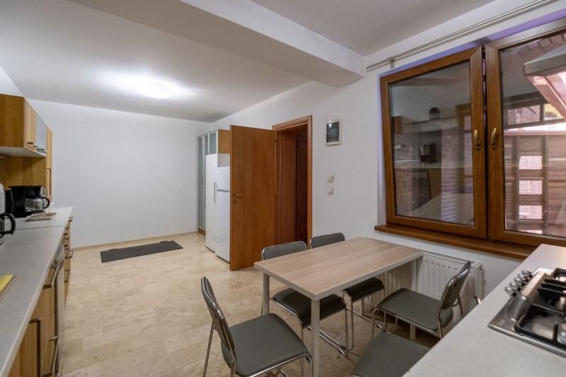 Casa de langa P-ta Charles de Gaulle